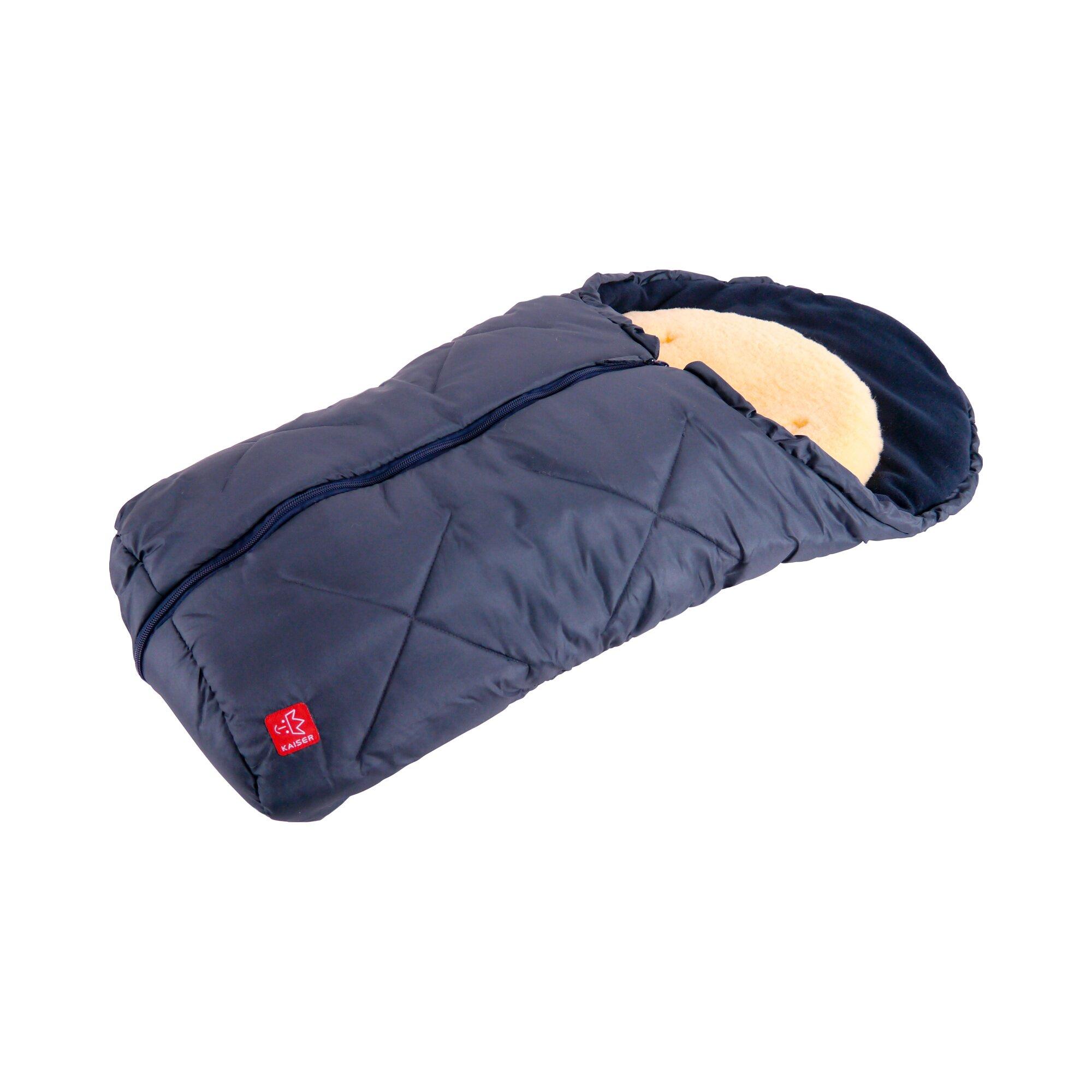 kaiser-universal-winter-fu-sack-mit-lammfelleinlage-little-sheepy-fur-babyschale-autositz-tragewanne-blau