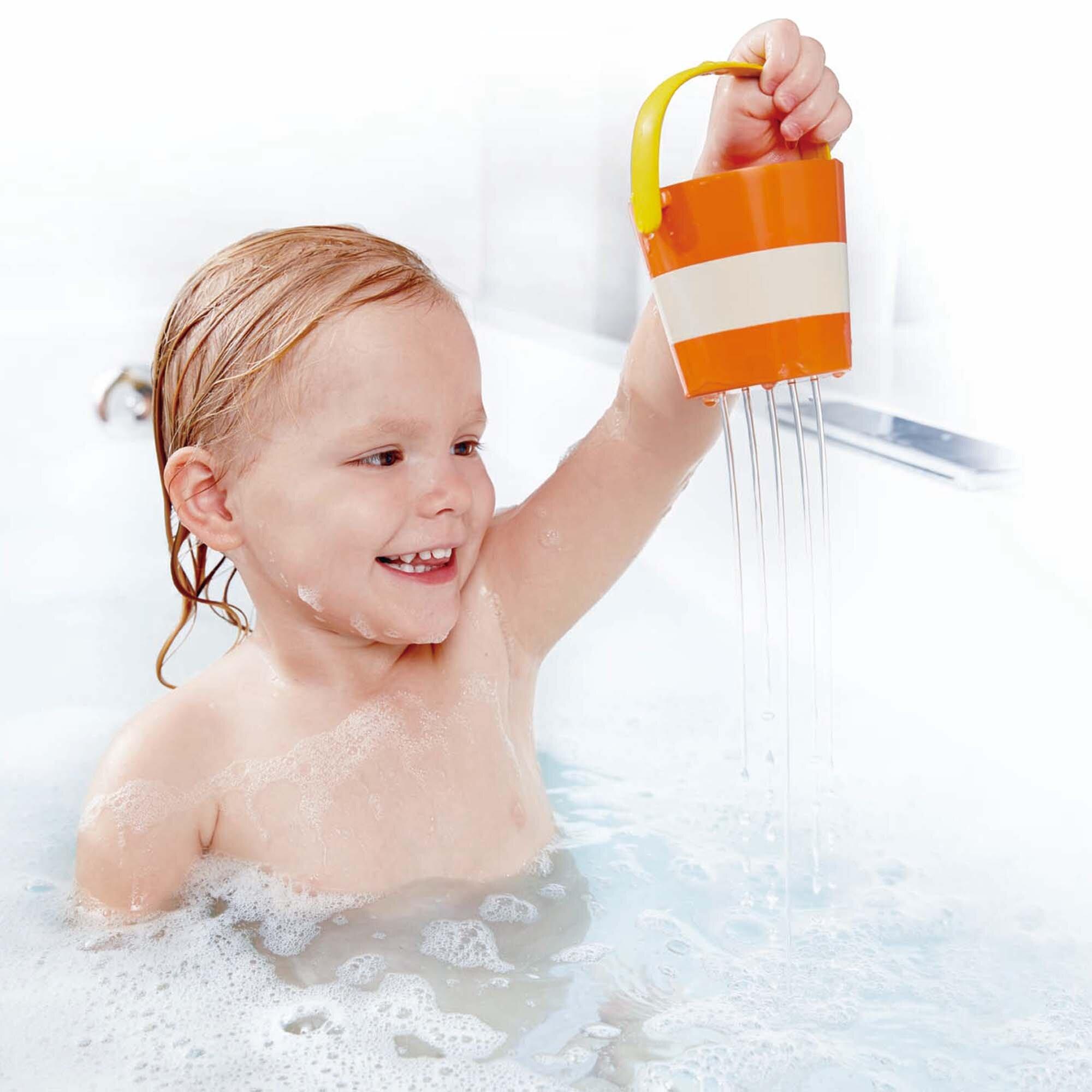 hape-badespielzeug-buntes-eimer-set