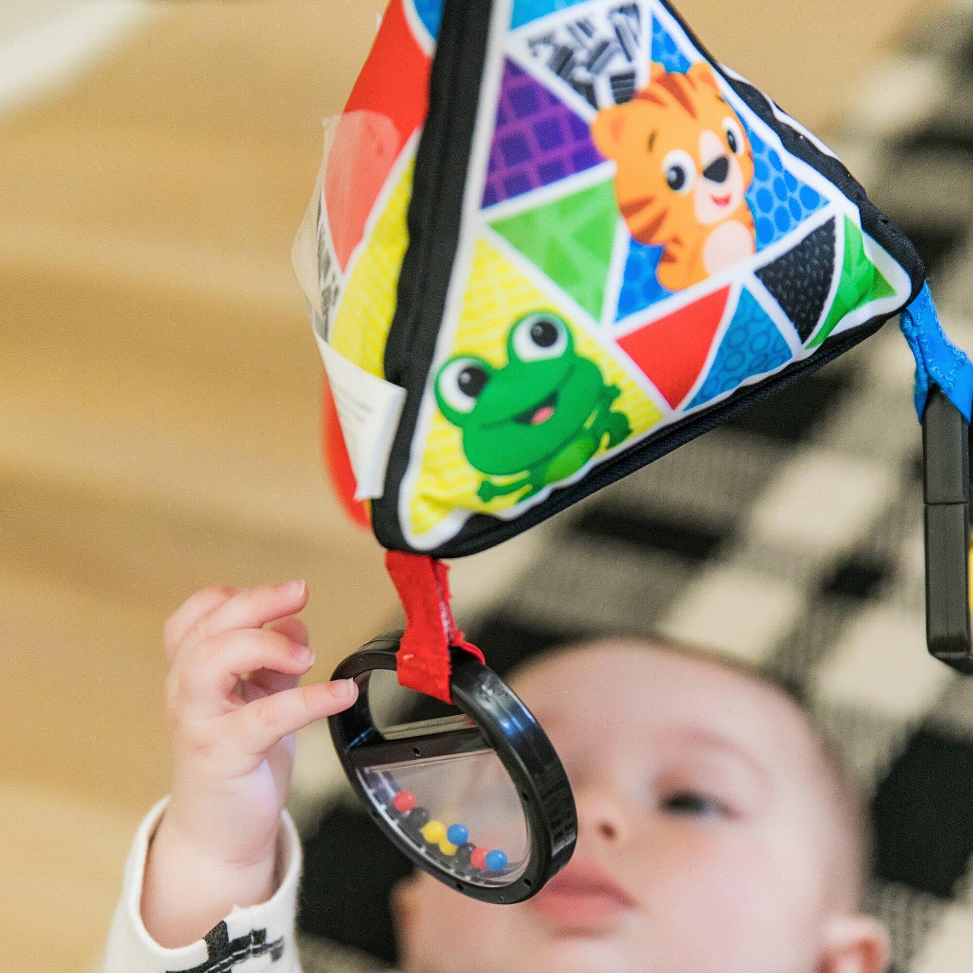 baby-einstein-hangespielzeug-playful-pyramid-