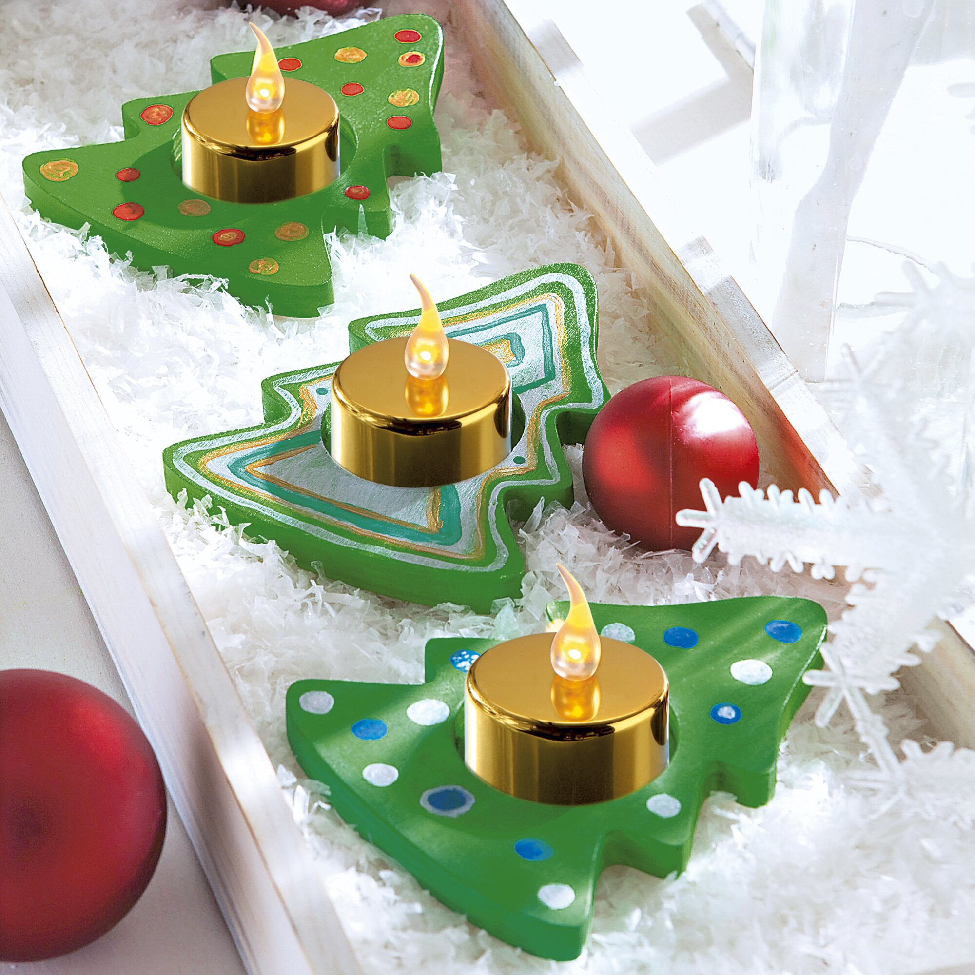 peinture sur bois peinture bricolage page n 5. Black Bedroom Furniture Sets. Home Design Ideas