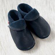 Les chaussures/chaussons premiers pas de POLOLO