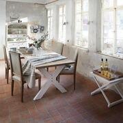 Tisch Jolan